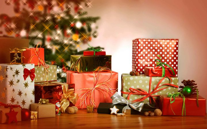 eight_col_xmas-gifts